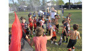 Colón de Santa Fe se adjudicó cinco copas de Oro. La 2008 festejó a lo grande.  Foto UNO/Mateo Oviedo
