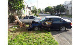 Con suerte. Al parecer el conductor del Honda se descompuso; solo hubo daños materiales.