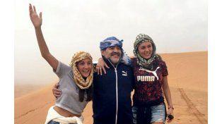 Diego se divierte en el desierto mientras Claudia va a Tribunales