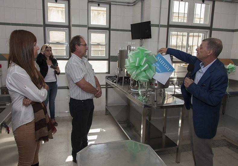 Se inauguró un lactario con aparatología de última generación en el hospital San Roque