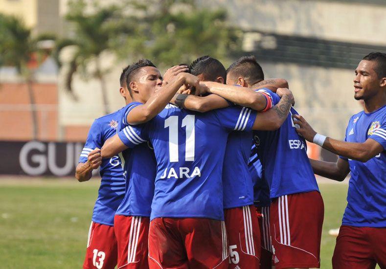 De espaldas. El delantero concordiense utiliza la casaca 11 en Atlético Venezuela donde ya lleva tres gritos en la competencia.