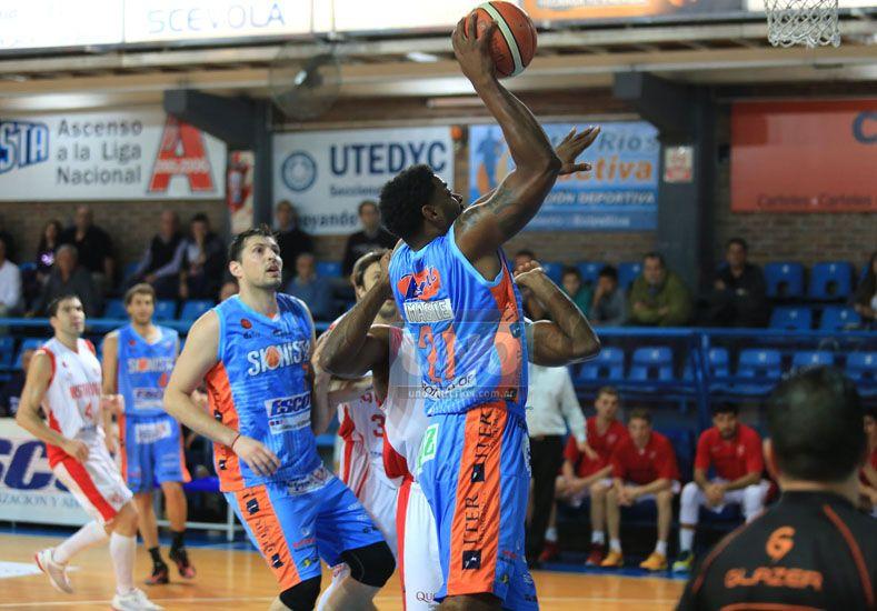 El pivote extranjero metió 18 puntos y tomó 7 rebotes en su primer partido.  Foto UNO/Diego Arias
