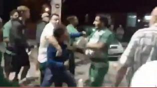 Caruso Lombardi protagonizó una pelea con hinchas de Sanrmiento en una estación de servicio.