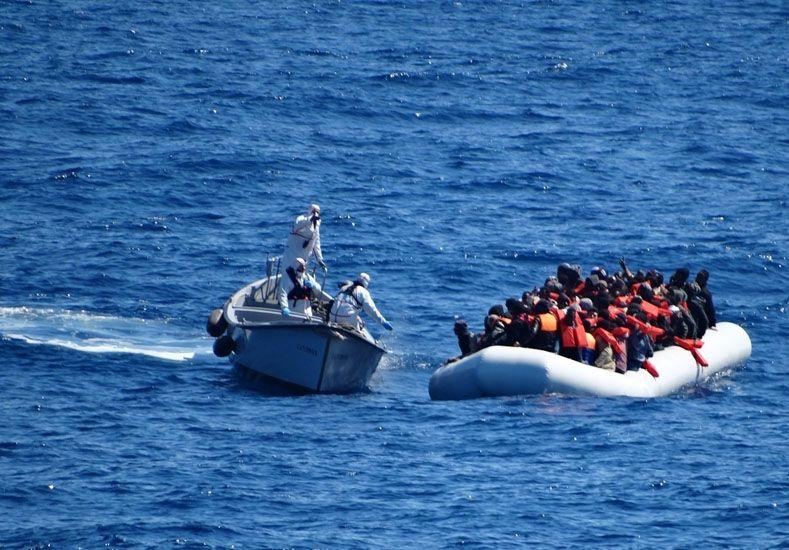 Naufragó una embarcación que zarpó de Libia.  Foto de archivo de AP