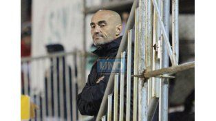 Paolo Montero hizo su debut como DT de Boca Unidos. Foto UNO/Diego Arias