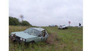 Los ocupantes del Renault 11 padecieron heridas leves.