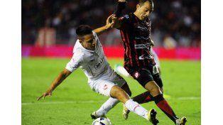 Fue una derrota para el equipo paranaense anoche en Avellaneda y con polémica.