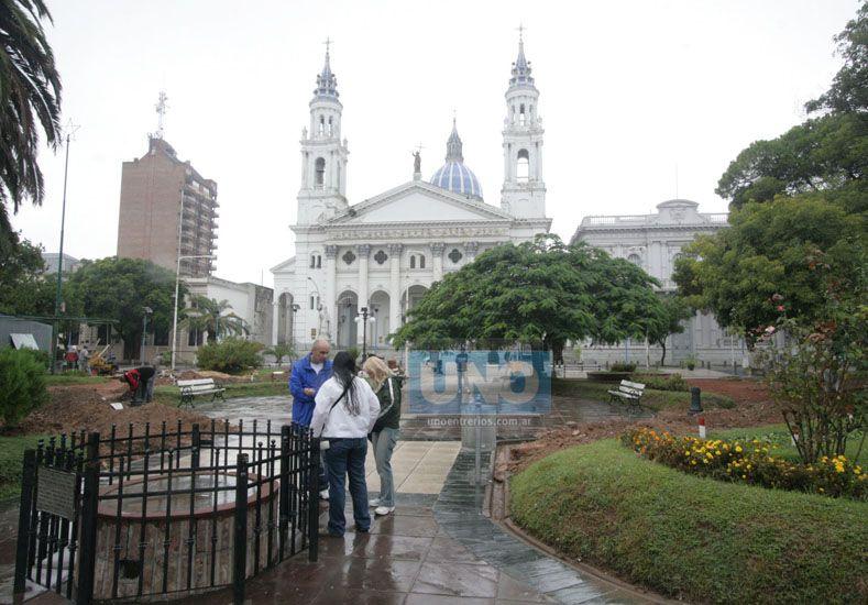 En Paraná cuando llueve las opciones turísticas se ven acotadas. Foto UNO Archivo.