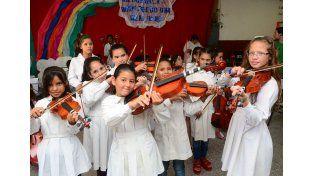 Realizarán una clase abierta y un concierto para que sigan las orquestas y coros infantiles.  Foto: prensa del Gobierno de Entre Ríos