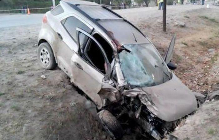 Así quedó la Ecosport que conducía borracho el joven de 20 años. (Foto vía Twitter)