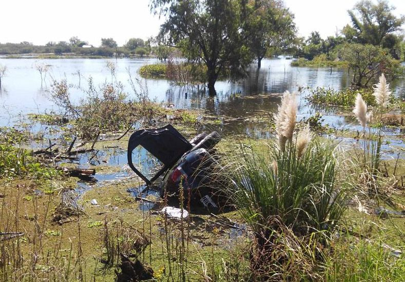 Despistó un auto en la ruta 12 y falleció una mujer de Paraná