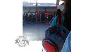 Con el inicio de clases volvieron las largas colas para viajar a Santa Fe