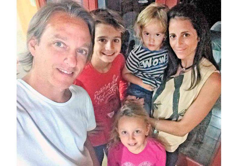 Con sus hijos Valentino (12 años)