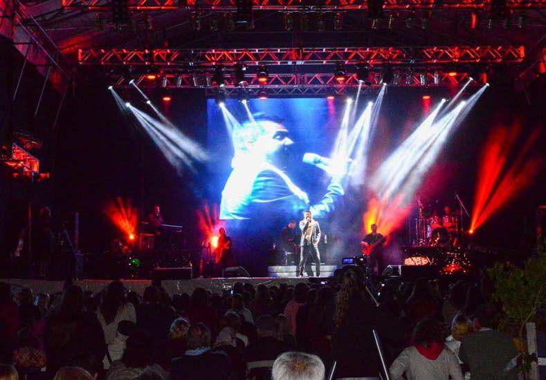 Más de 8 mil personas fueron a ver a Jorge Rojas a la Plaza Mujeres Entrerrianas