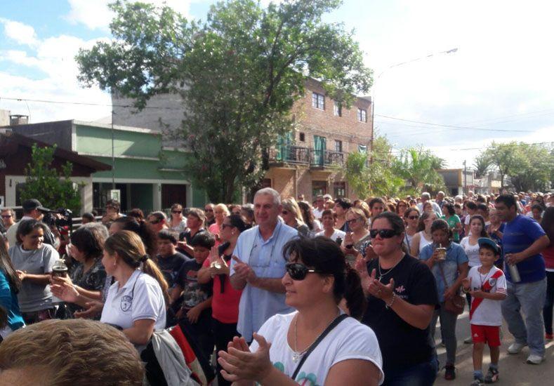 Masiva. Alrededor de 500 personas marcharon para exigir mejoras en el sistema de salud pública.