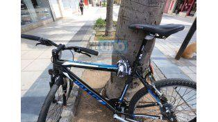 Los precios de las bicicletas se dispararon y los dueños se preocupan porque las tienen que dejar sin resguardo.