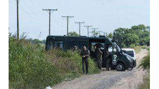 El intercambio de balazos entre gendarmes demostró la falta de coordinación durante el operativo.