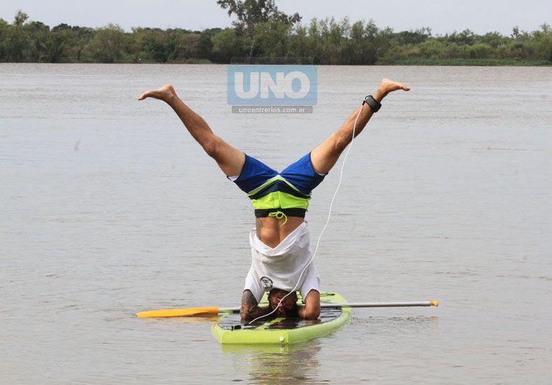 En Paraná fabrican tablas rotomoldeada para el surf con remo