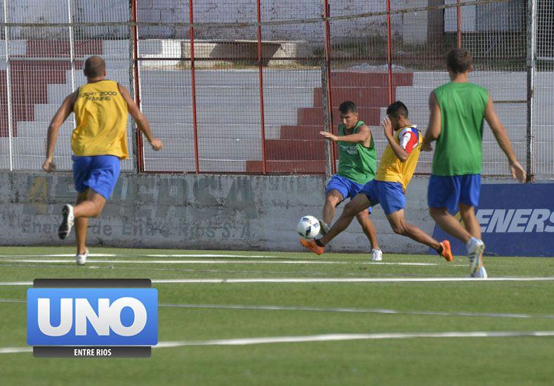 Sergio Chitero formó dupla ofensiva ayer junto a Enzo Noir.  Foto UNO/Mateo Oviedo