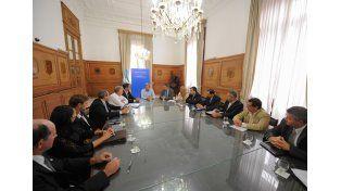 Frigerio y De Ángeli con los intendentes vecinalistas en Buenos Aires. Foto/Ministerio del Interior.