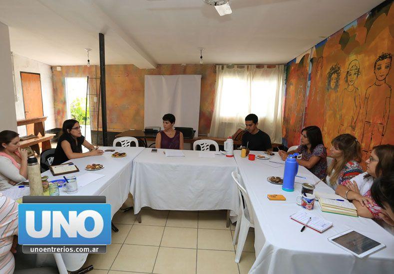 Fundación Centro. Las delegaciones del país intercambiaron sus vivencias sobre el tratamiento. Foto UNO/Diego Arias
