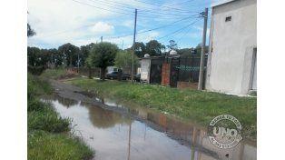 Vecinos de calle Torrá reclaman arreglos