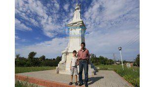 8º y 9º Generación. Fabián y su hijo Ignacio. Son descendientes de Simón