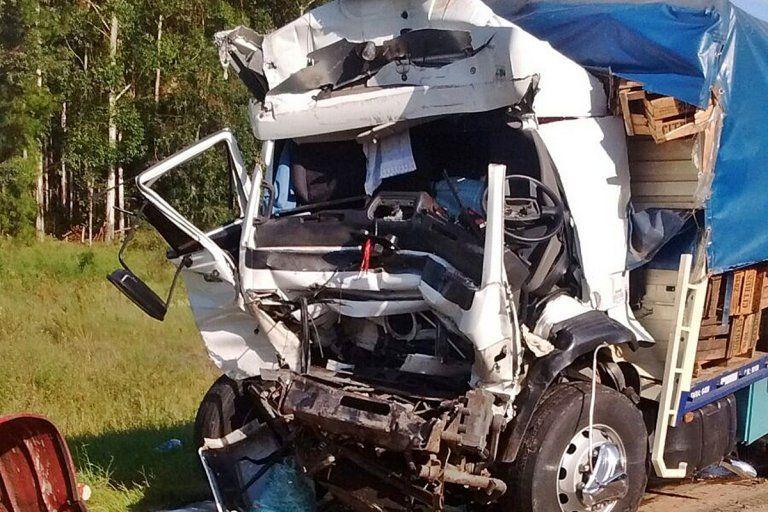 Un joven murió tras el choque de dos camiones en la ruta 14