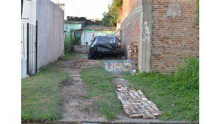 Gritos y disparos. El hecho de sangre conmocionó al barrio. Foto UNO/Juan Manuel Hernández