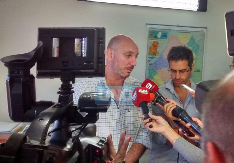 El Ministro de Salud en la rueda de prensa que se realizó hoy al mediodía en su despacho. Foto UNO/ Juan Manuel Kunzi.