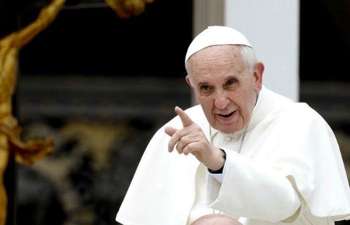 El Papa no quiere el dinero sucio de los que esclavizan trabajadores.