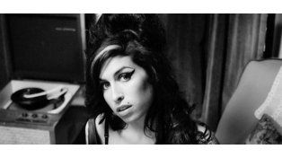 El padre de Amy Winehouse castigó al documental sobre la vida de su hija