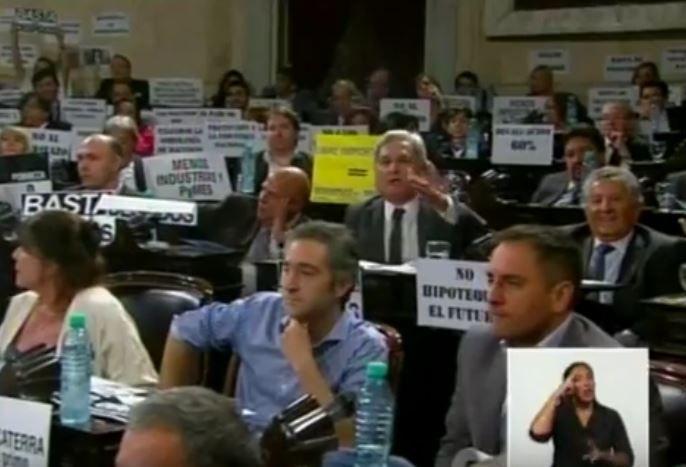 """Solanas calificó de """"violento"""" al discurso de apertura de sesiones"""