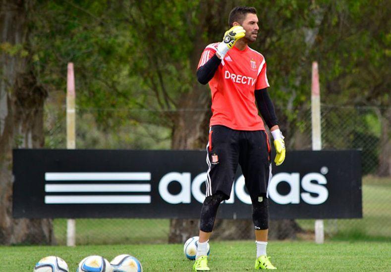 Andújar cumplió la sanción y está disponible para jugar ante el Globo