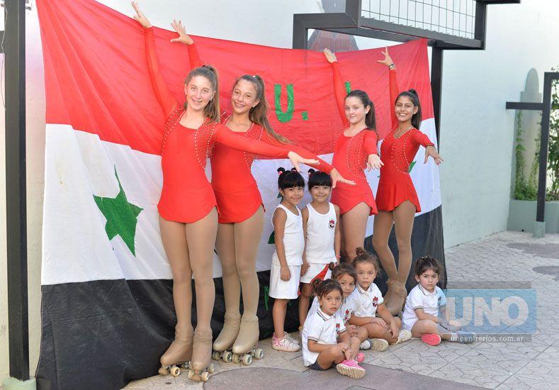 Ayer las chicas hicieron una producción de fotos en la institución de calle España. Foto UNO/Juan Manuel Hernández