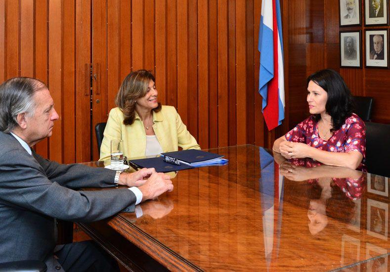 Convenio. Mizawak y Mena firmaron el acuerdo de cooperación.