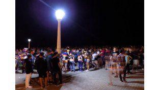 Convocatoria. Fue a través de WhatsApp y otras redes y congregó a unos 2.000 jóvenes en Paraná.  Foto Gentileza/Paraná hacia el Mundo