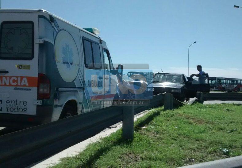 Choque en el acceso a San Benito con tres heridos