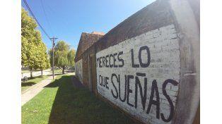 Las calles de Seguí tienen algo para decir. Foto UNO/Juan Manuel Kunzi.