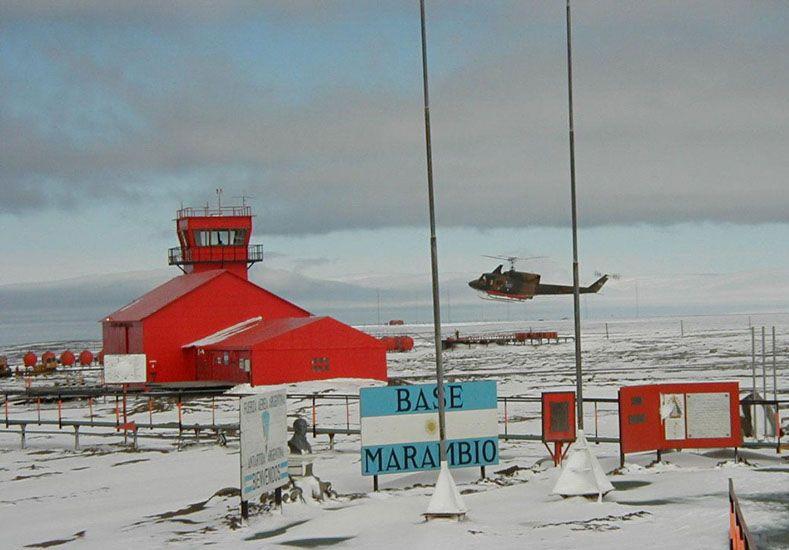 Territorio nacional. Desde el 22 de febrero de 1904 flamea de modo permanente el pabellón celeste y blanco en la Antártida.