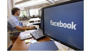 Trabajo. La versión de Facebook orientada al ámbito laboral para mejorar la comunicación abrió la polémica.
