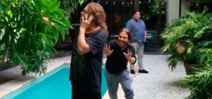 La pesada broma al cantante de Maná en su visita a la Argentina