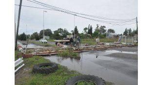 Autódromo. El tránsito sobre ruta 12 quedó suspendido producto de la caída de árboles y carteles.