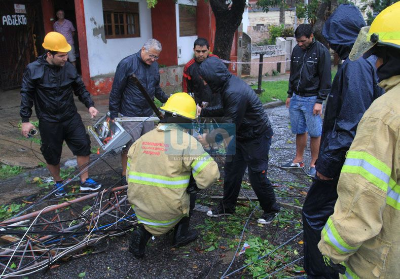 El gobierno puso en marcha la asistencia en las localidades afectadas por el temporal