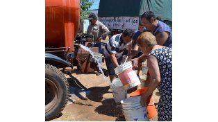 A fines de enero los vecinos seguían con problemas en el servicio de agua. Foto Archivo Prensa Concordia.