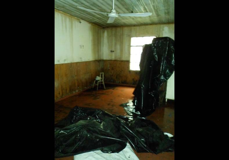 Difunden fotos que muestran el deterioro de una escuela de Alcaraz