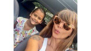 Amalia junto a su hija Uma en una sefie que publicó en su cuenta de Twitter.