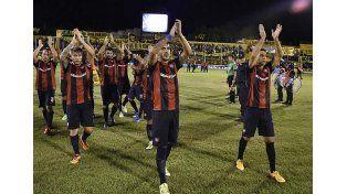 San Lorenzo derrotó a Olimpo y lidera la Zona 1 del Campeonato 2016.  Foto: Télam