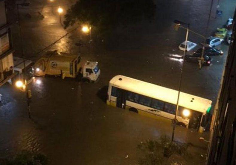 Suman cuatro los muertos por el violento temporal en Córdoba