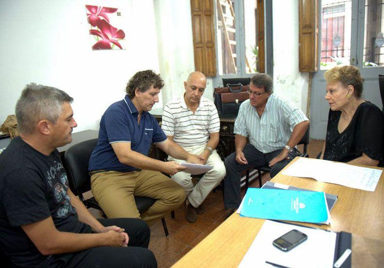 Los responsables del proyecto reunidos con la Secretaria de Cultura de la Municipalidad